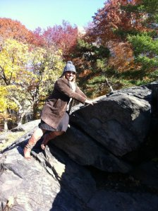 on a quick trip to go to Antigua, no shoes, no pads, thats ok, Doris is bouldering in Central Park anyway!